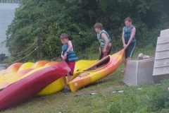 065_boys_kayaking